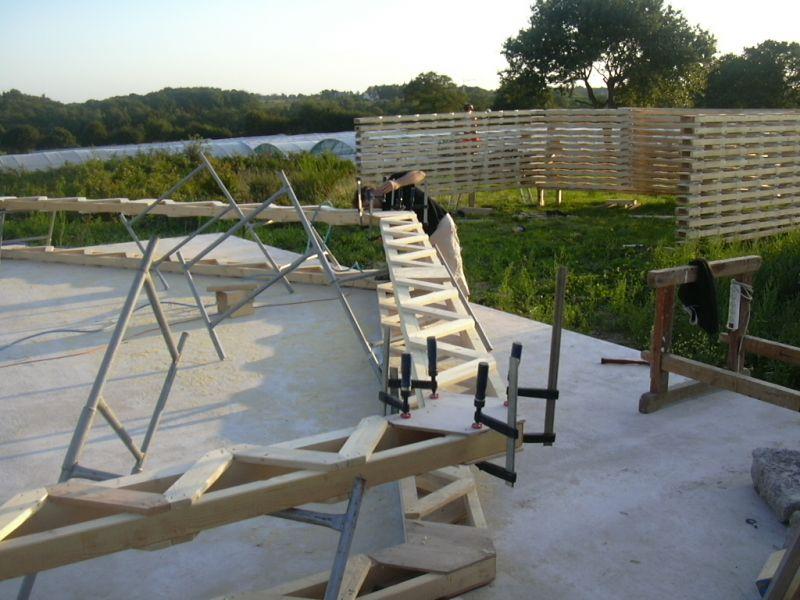 assemblage des fermes construction d une maison passive en bretagne. Black Bedroom Furniture Sets. Home Design Ideas